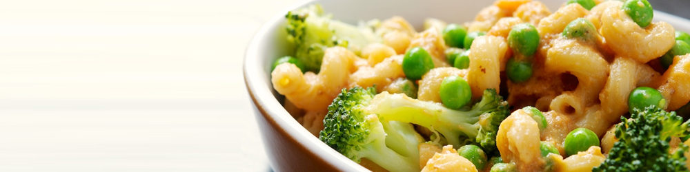 Vegan Mac N Cheez with Broccoli and Peas